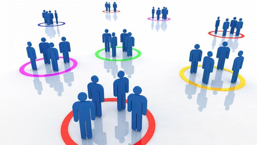 ¿Por qué es importante la segmentación por lugar en Facebook?